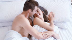 4a164_111122023853-couple-bed-story-top