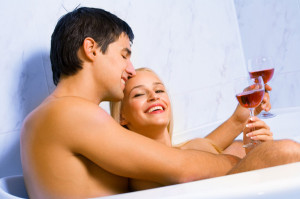 sexy-couple-in-bath
